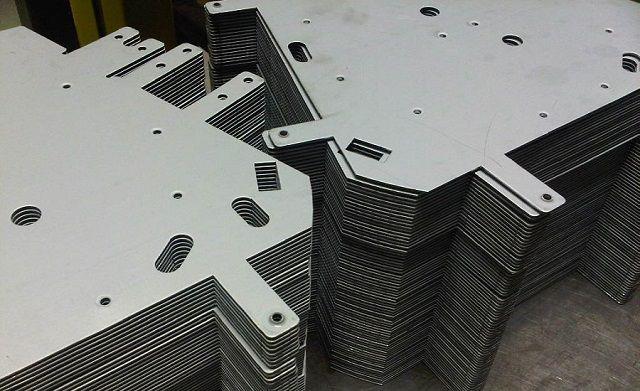 Tia laser có thể cắt được nhiều hình thù khác nhau trên inox tấm