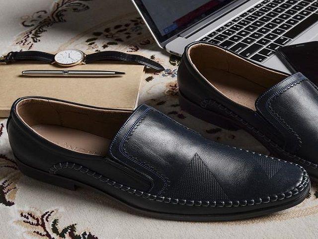 Khắc họa tiết lên giày da giá rẻ, uy tín tại Hà Nội