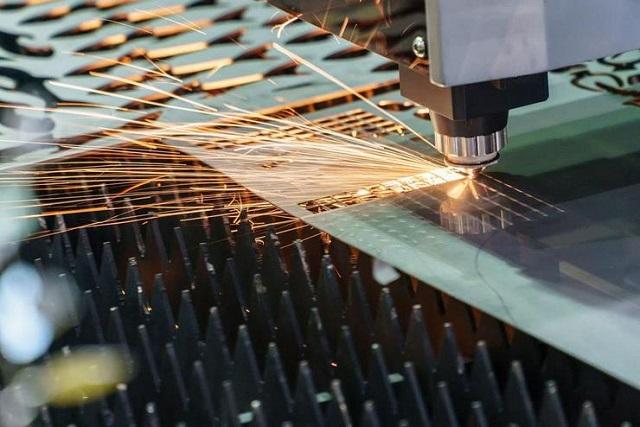 Xưởng khắc laser Hoàng Quốc Việt uy tín, chất lượng