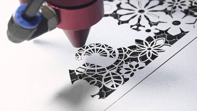 Máy cắt laser decal
