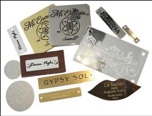 Các chất liệu làm tem nhãn mác kim loại
