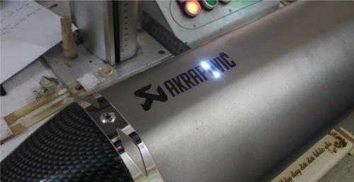Khắc laser kim loại giá rẻ tại Minh Phú Laser