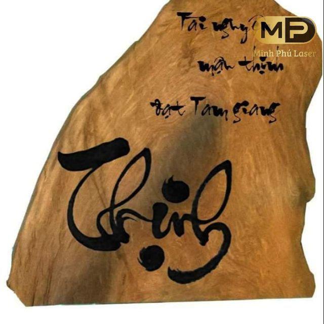 Mẫu khắc chữ thư pháp trên gỗ giá rẻ tại Hà Nội