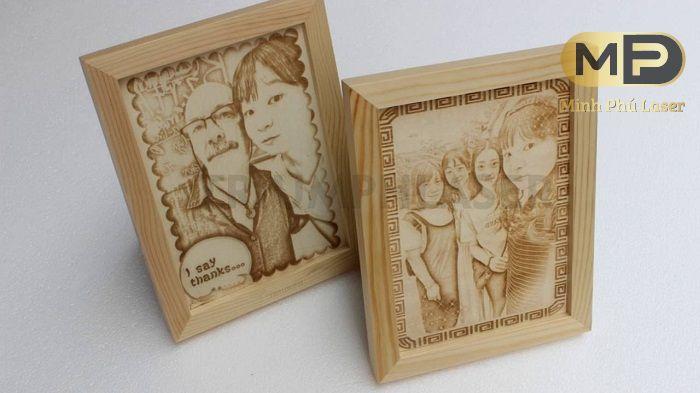 Khắc tranh gỗ từ ảnh bạn bè người thân